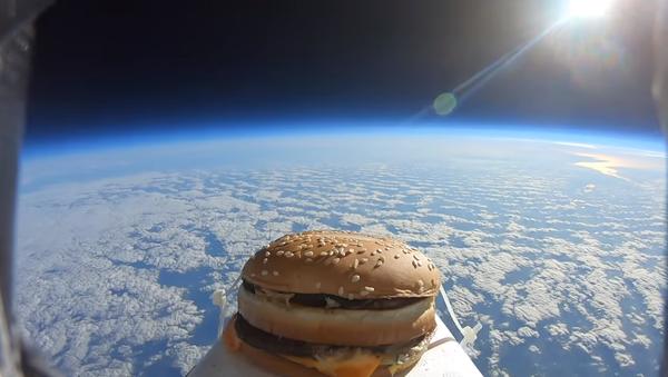 McDonald's Big Mac in Space - Sputnik International