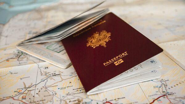 French passport - Sputnik International