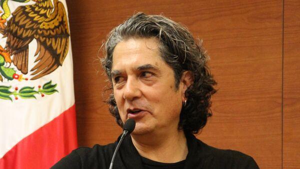 """Armando Vega-Gil en el segundo Coloquio Internacional """"Nuevas narrativas mexicanas: desde la diversidad"""" en el ITESM-Campus Ciudad de Mexico - Sputnik International"""