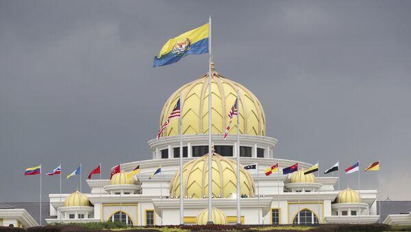 Flags fly at the Malaysia National Palace in Kuala Lumpur, Malaysia, Thursday, Jan. 24, 2019. - Sputnik International