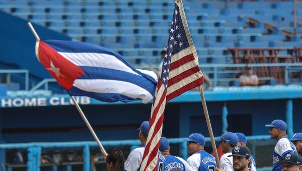 US Penn State university baseball team before a game with Cuban Industriales team at the Latin American stadium in Havana - Sputnik International