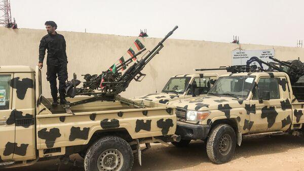 A local militiaman, belonging to a group opposed to Libyan strongman Khalifa Haftar - Sputnik International