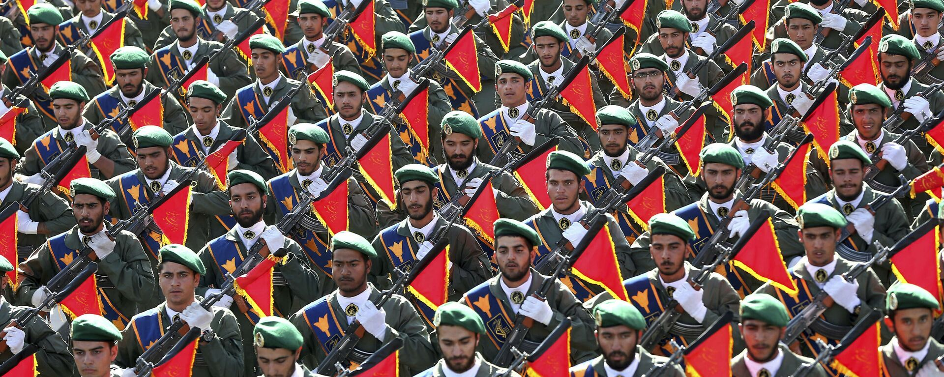 In this Sept. 21, 2016 file photo, Iran's Revolutionary Guard troops march in a military parade marking the 36th anniversary of Iraq's 1980 invasion of Iran, in front of the shrine of late revolutionary founder Ayatollah Khomeini, just outside Tehran, Iran.  - Sputnik International, 1920, 08.09.2021