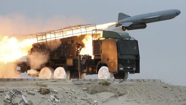 Учения с запуском ракеты класса земля-море Saegheh в Иране  - Sputnik International