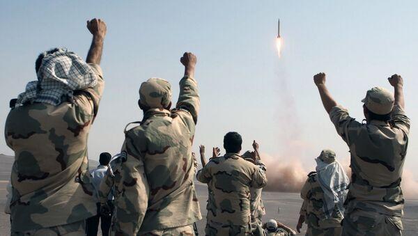 IRGC celebrating missile launch - Sputnik International