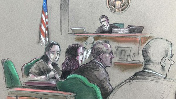In this artist sketch, a Chinese woman, Yujing Zhang, left, listens to a hearing Monday, April 8, 2019, before federal Magistrate Judge William Matthewman in West Palm Beach, Fla. Secret Service agents arrested the 32-year-old woman March 30 after they say she gained admission by falsely telling a checkpoint she was a member and was going to swim. - Sputnik International