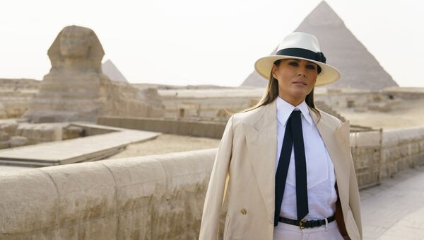 First lady Melania Trump pauses as she speaks to media as she visits the historic site of Giza Pyramids in Giza, near Cairo, Egypt, Saturday, Oct. 6, 2018 - Sputnik International