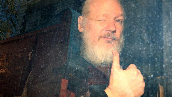 WikiLeaks founder Julian Assange arrives at the Westminster Magistrates Court, after he was arrested in London, Britain April 11, 2019. - Sputnik International