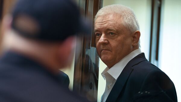 Norway's Frode Berg waits in a cage in a court room in Moscow, Russia. The court has found Berg guilty of espionage for collecting data on Russian nuclear submarine and sentenced him to 14 years in a high-security jail - Sputnik International