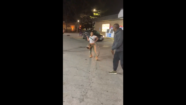 Brawl breaks out at a gas station in Akron, Ohio, after remarks regarding hot dogs are made. - Sputnik International