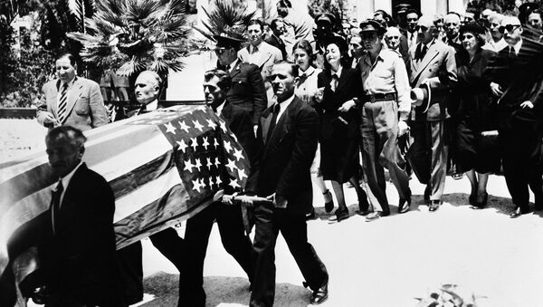 The funeral of US journalist George Polk in Athens, Greece in 1948. His death remains shrouded in mystery - Sputnik International