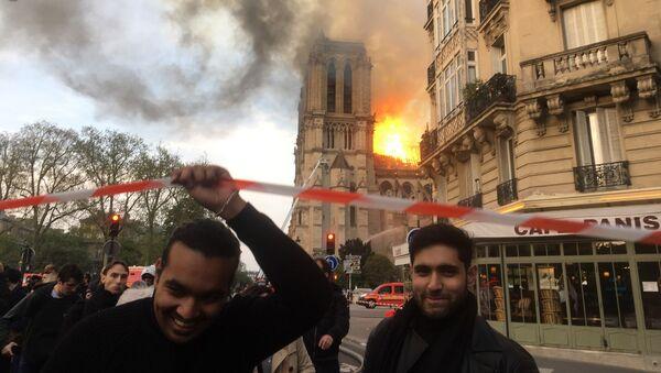 Notre Dame Cathedral on fire, Paris - Sputnik International