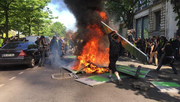 Yellow Vests protest in Paris 20 April 2019 - Sputnik International