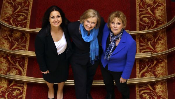 British politicians Heidi Allen, left, Sarah Wollaston, centre, and Anna Soubry, right, joined new political party 'The Independent Group' pose for a photograph after a press conference in Westminster in London, Wednesday, Feb. 20, 2019. - Sputnik International