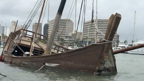 A replica of La Nina, one of three ships Italian explorer Christopher Columbus used to sail to the Americas, sunk in the early morning hours this week in Texas' Corpus Christi. - Sputnik International