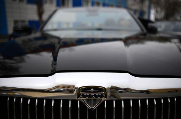 Cruisin' With the Top Down: Luxurious Aurus Senat Convertible - Sputnik International
