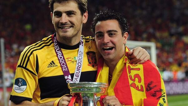 Iker Casillas and Xavi - Sputnik International