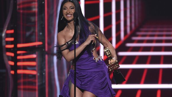 Cardi B accepts the Top Hot 100 Song award for Girls Like You at the Billboard Music Awards on Wednesday, 1 May 2019, at the MGM Grand Garden Arena in Las Vegas - Sputnik International