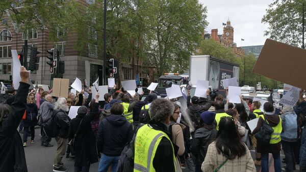 People in Yellow Vests Gather Outside Westminster Magistrate's Court - Sputnik International