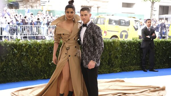 Priyanka Chopra, left, and Nick Jonas attend The Metropolitan Museum of Art's Costume Institute benefit gala celebrating the opening of the Rei Kawakubo/Comme des Garçons: Art of the In-Between exhibition on Monday, May 1, 2017, in New York - Sputnik International