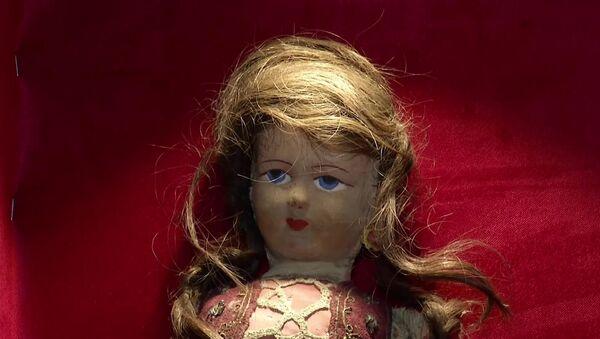 Doll with hair from Jewish Holocaust victim - Sputnik International