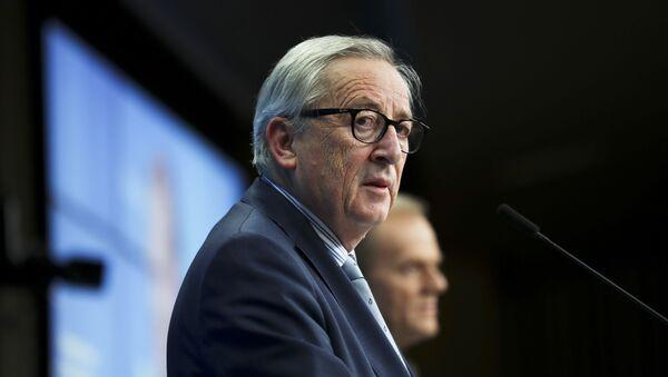European Commission President Jean-Claude Juncker, left, and European Council President Donald Tusk - Sputnik International