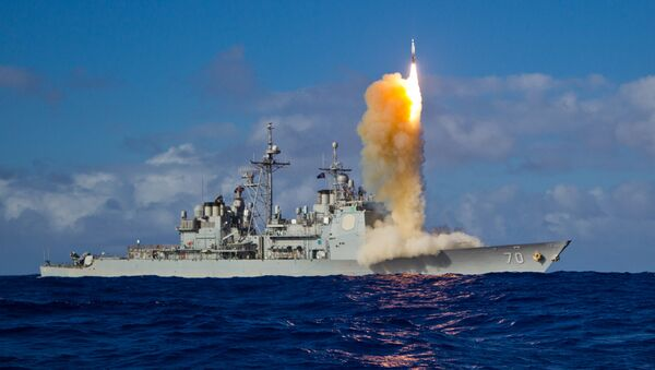 A Standard Missile-3 (SM-3) Block 1B interceptor missile is launched from the guided-missile cruiser USS Lake Erie (CG 70) during a Missile Defense Agency and U.S. Navy test in the mid-Pacific. - Sputnik International