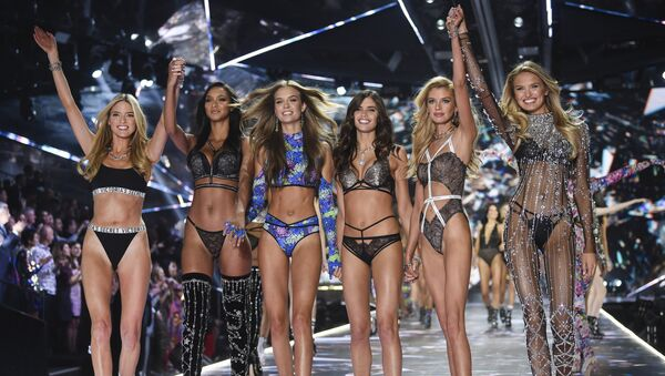 FILE - In this Nov. 8, 2018 file photo, models Martha Hunt, from left, Lais Ribeiro, Josephine Skriver, Sara Sampaio, Stella Maxwell and Romee Strijd walk the runway during the 2018 Victoria's Secret Fashion Show in New York. Shown on ABC Sunday after several years on CBS, its audience of 3.27 million viewers was the smallest since becoming a holiday season TV event in 2001. The Nielsen company said the show has lost more than half its television audience in two years.(Photo by Evan Agostini/Invision/AP, File) - Sputnik International