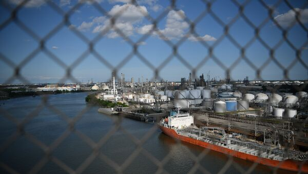 The Houston Ship Channel and adjacent refineries, part of the Port of Houston, are seen in Houston - Sputnik International