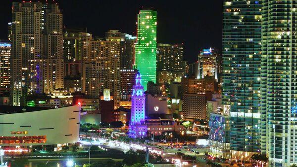 Downtown Miami skyscrapers at night - Sputnik International