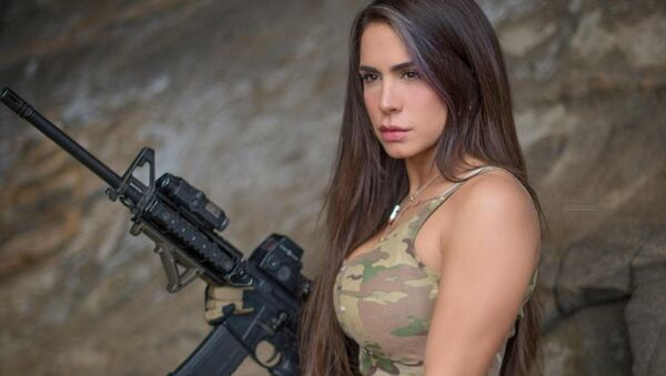 """Orin Julie, also known on social media as """"The Queen of Guns,"""" is a veteran of the Israel Defense Forces (IDF), and believes that the US has the best gun laws in the world. - Sputnik International"""