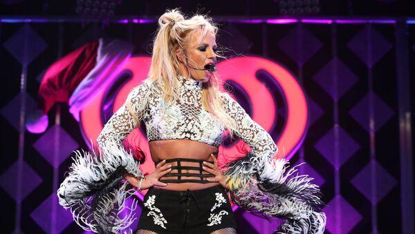 Singer Britney Spears performs at the 102.7 KIIS FM's Jingle Ball 2016 on December 02, 2016 in Los Angeles, California. - Sputnik International