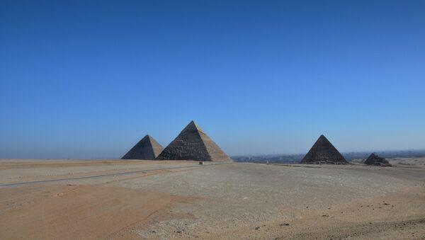 Giza pyramid complex in Egypt - Sputnik International