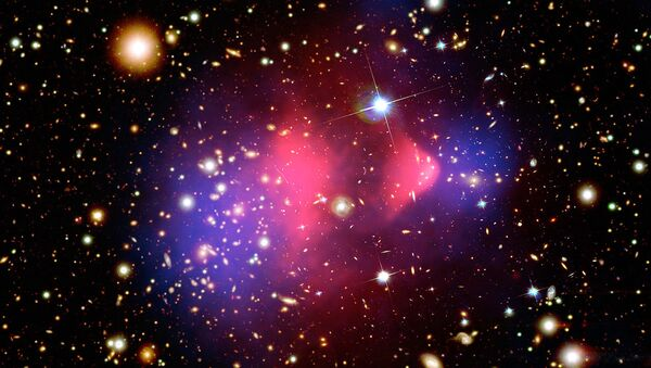 Composite image showing the galaxy cluster 1E 0657-56, better known as bullet cluster - Sputnik International
