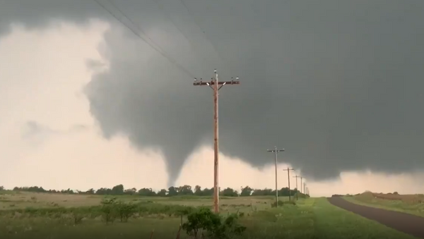 Tornado touches down near Mangum, Oklahoma, May 20, 2019 - Sputnik International