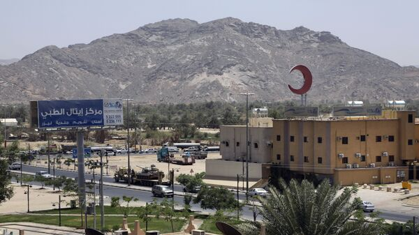 This photo shows an army tank being transported, in the city of Najran, Saudi Arabia, near the border with Yemen, Thursday, April 23, 2015. In a stunning development, Saudi Arabia had declared on Tuesday, April 21, 2015 that it was halting coalition airstrikes targeting Yemen's Shiite rebels known as Houthis — a four-week air campaign meant to halt the rebel power grab and help return to office embattled President Abed Rabbo Mansour Hadi, a close U.S. ally who fled Yemen. (AP Photo/Hasan Jamali) - Sputnik International