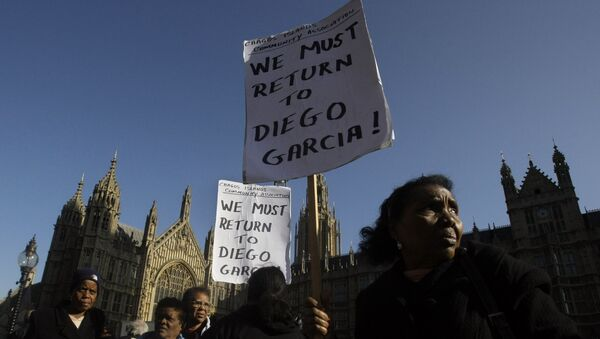 A protest outside the Houses of Parliament in London, after a court ruling decided Chagos Islanders are not allowed to return to their homeland - Sputnik International