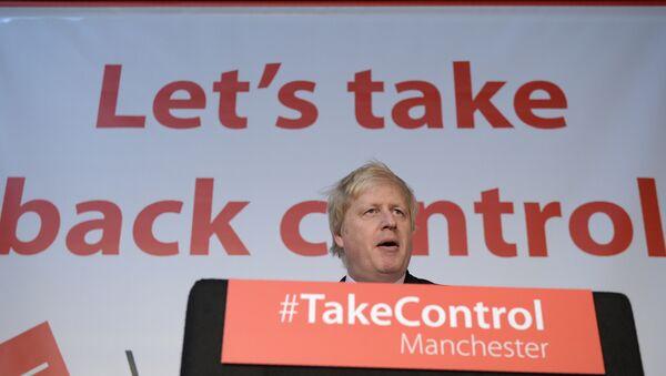 Boris Johnson at the podium during a Vote Leave event during the 2016 Brexit referendum - Sputnik International