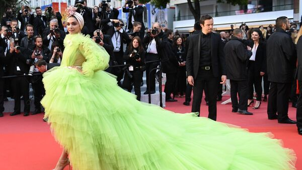 Actress Deepika Padukone poses for photographers upon arrival at the premiere for the film 'Pain and Glory' at the 72nd international film festival, Cannes, southern France, Friday, May 17, 2019 - Sputnik International