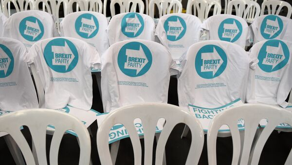 T-shirts featuring the party logo are draped on chairs prior to the launch of The Brexit Party's European Parliament election campaign in Coventry, central England on April 12, 2019 - Sputnik International