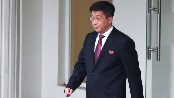 Kim Hyok Chol, North Korea's special representative for U.S. affairs, leaves the Government Guesthouse in Hanoi - Sputnik International