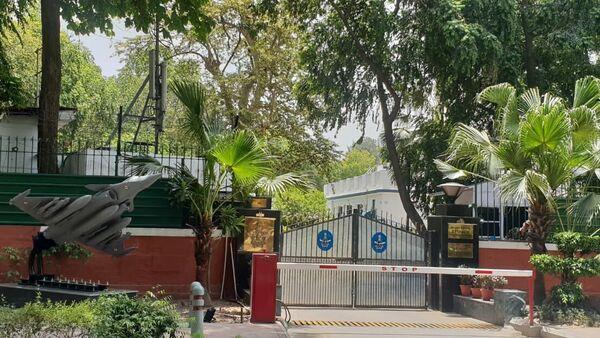 Rafale jet model outside the residence of Indian Air Force (IAF) head Air Chief Marshal Birender Singh Dhanoa - Sputnik International
