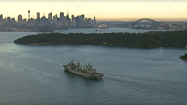 The Chinese People's Liberation Army-Navy's Type 903 replenishment ship Luoma Hu sails through Sydney Harbor in Australia, during a scheduled visit to the city - Sputnik International