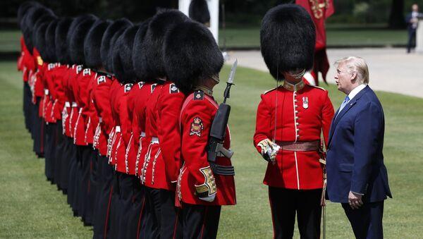 President Donald Trump inspect the Guard of Honor at Buckingham Palace, Monday, June 3, 2019, in London - Sputnik International