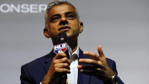 Sadiq Khan the Mayor of London speaking to the media during a press conference in London (File) - Sputnik International