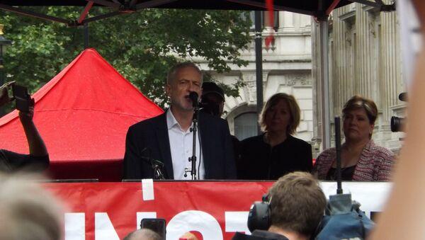 Jeremy Corbyn at anti-Trump rally - Sputnik International