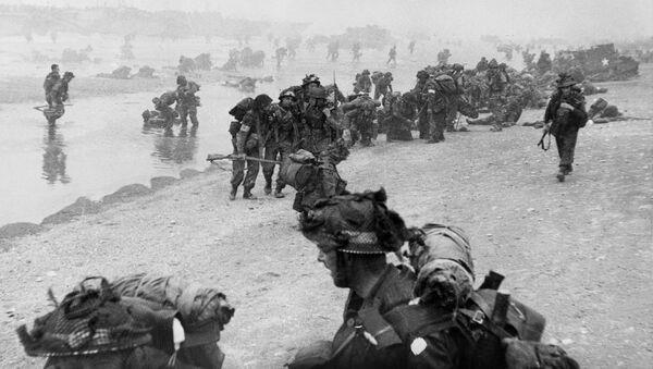 British troops on Sword Beach in northern France on 6 June 1944 - Sputnik International
