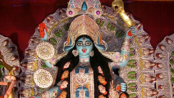 Shyama at a Sarbojanin Kali Puja pandal at Shakespeare Sarani, Kolkata - Sputnik International