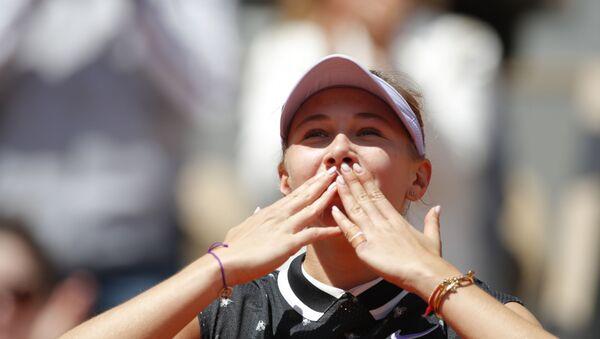 Amanda Anisimova of the US celebrates after her quarterfinal match against Romania's Simona Halep - Sputnik International
