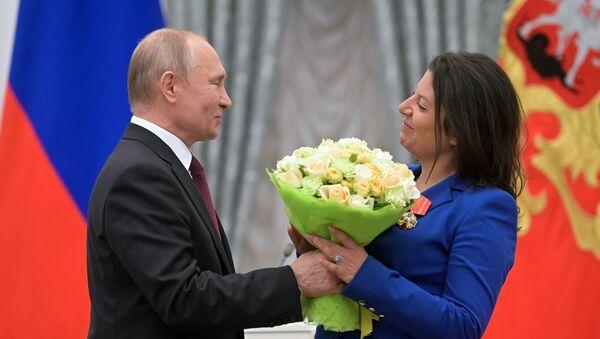 Russian President Vladimir Putin and Editor-in-Chief Margarita Simonyan - Sputnik International